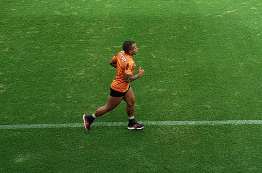 Treino do Atlético-MG tem Otero correndo em campo, Cazares na academia e reservas com bola.