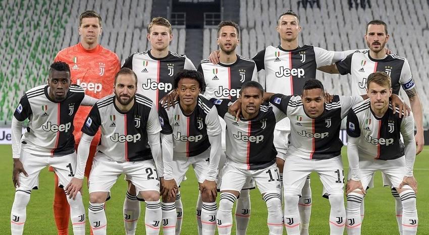 Juventus anuncia acordo com jogadores e técnico que a fará economizar € 90 milhões.