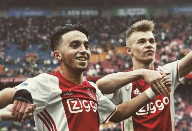 Após quase três anos, promessa do Ajax acorda do coma.