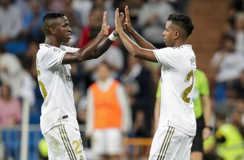 Pesquisa aponta Rodrygo e Vinicius Jr entre os cinco jogadores jovens mais valiosos do mundo.