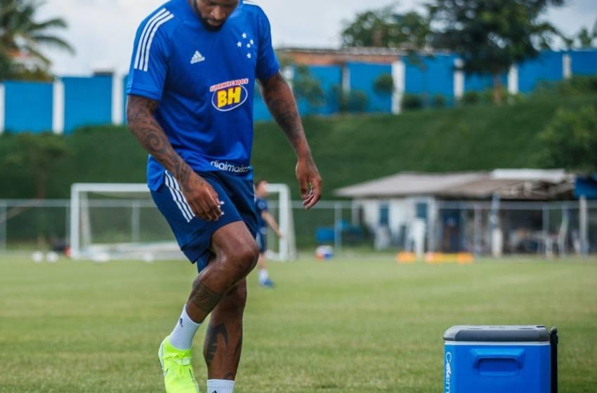 """Em recuperação de lesão no Cruzeiro, Dedé se sensibiliza por desabafo de Pedrinho: """"Por mais que debochem, não vou desistir""""."""