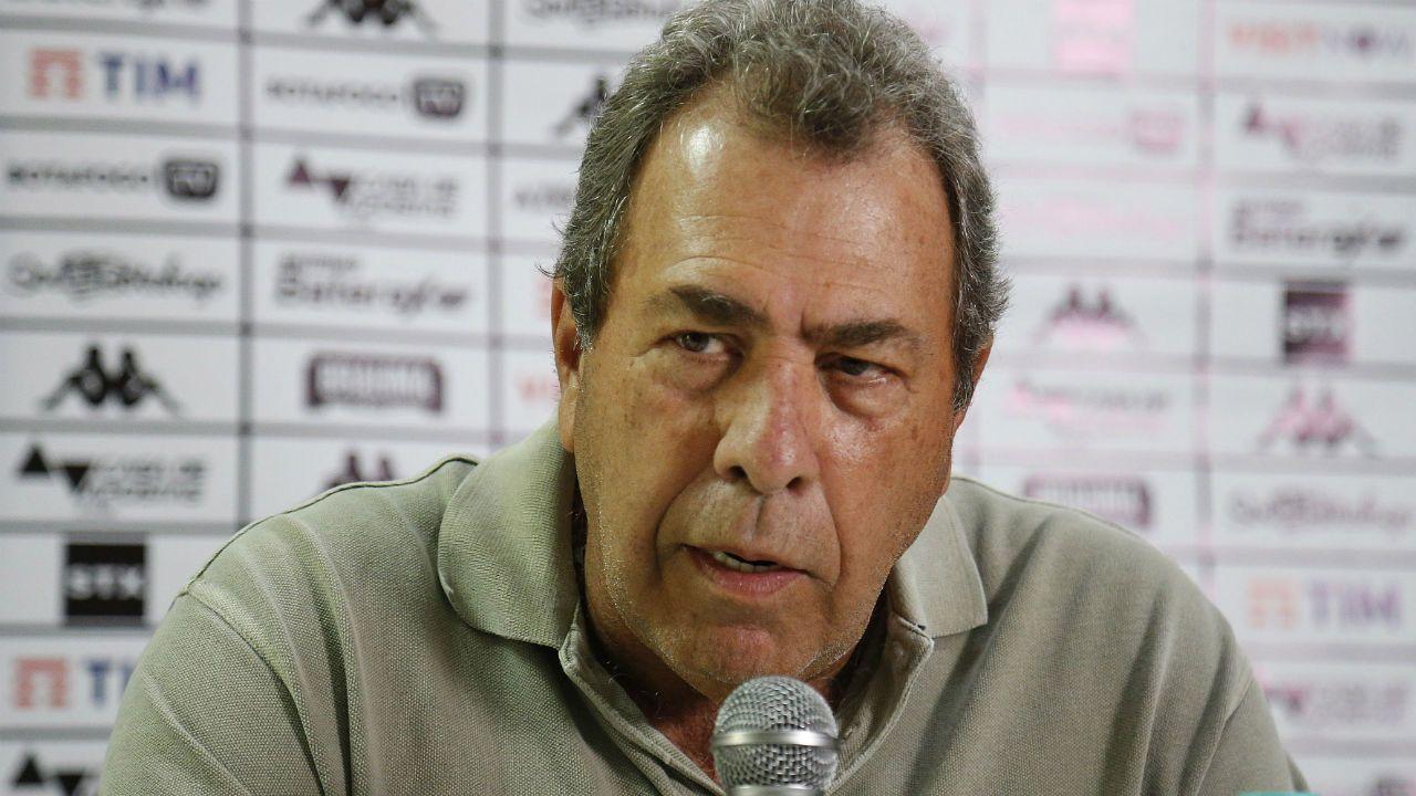 'Atitude de time pequenininho. Podem se tornar homicidas': Ex-presidente do Botafogo detona atitude de Flamengo e Vasco.
