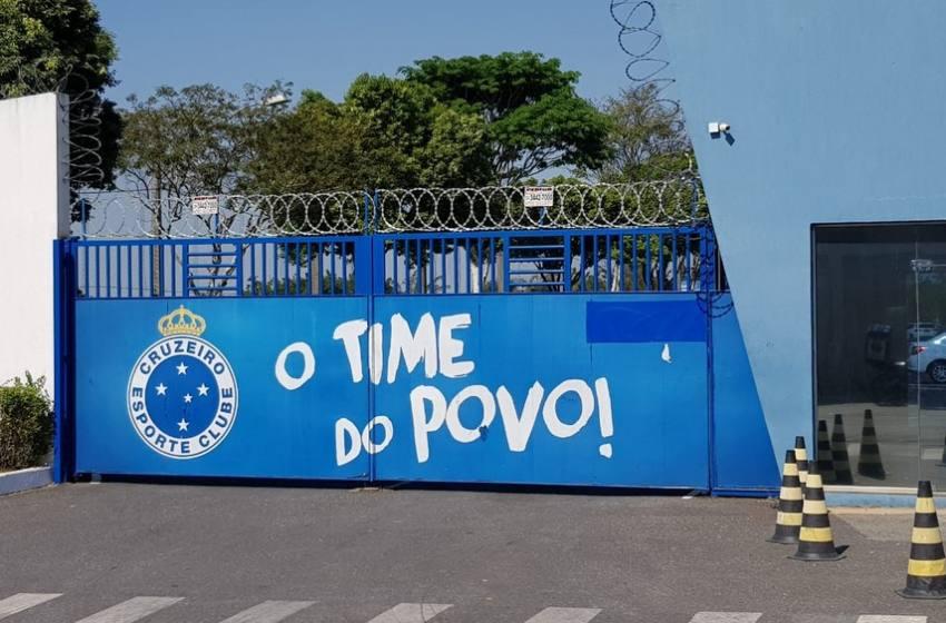 Cruzeiro envia ofício à Prefeitura de Belo Horizonte para retomar treinos na Toca da Raposa.