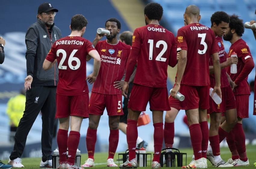 """Klopp enaltece City após goleada: """"É o único time no mundo que pode amassar o Liverpool assim""""."""