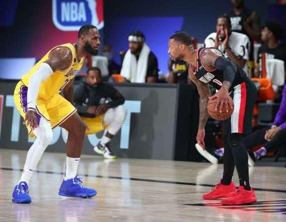 NBA: LeBron faz história, mas Lillard 'quebra tudo' no 'Dame Time' e Blazers batem Lakers na estreia nos playoffs.