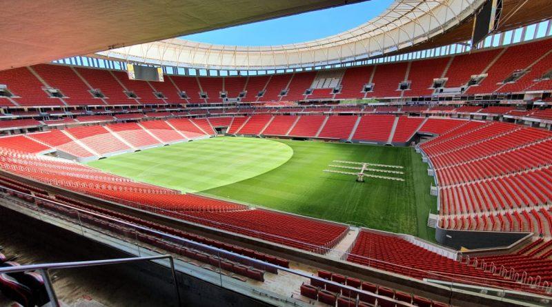 Mané Garrincha recebe novo gramado e está pronto para o Candangão.