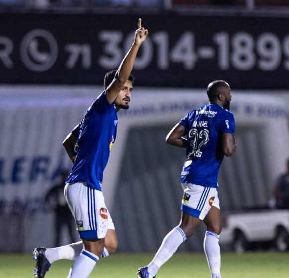 """Ramon aplica """"lei do ex"""" contra o Vitória e destaca importância do sistema defensivo do Cruzeiro."""
