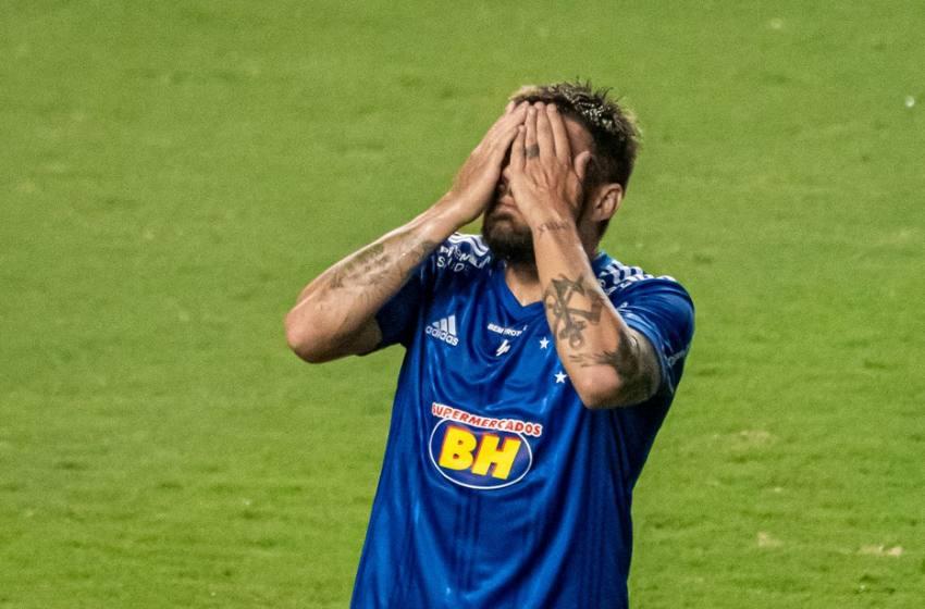 """Rafael Sobis sinaliza que momento do Cruzeiro é muito pior: """"As pessoas não sabem ainda de 10%""""."""