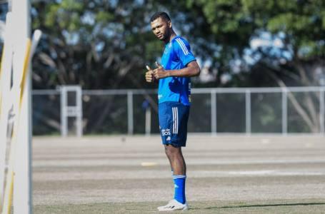 Cruzeiro faz primeiro treino após saída de Felipão; recuperado da Covid-19, Thiago volta.