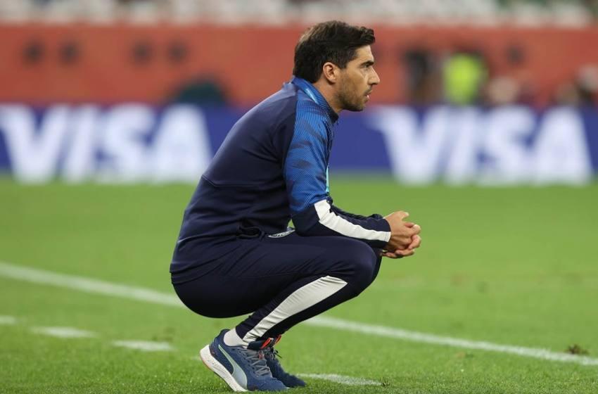 Abel Ferreira admite sair do Mundial com cicatrizes, mas diz ter orgulho do Palmeiras.