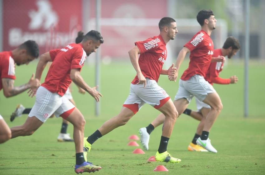 """Abel """"esquece"""" Flamengo e quer foco do Inter só no Timão: """"Se o São Paulo fizer 1 a 0 eu aviso""""."""