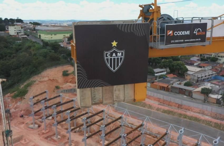 Atlético-MG completa 113 anos com obras do estádio próprio avançadas e execução em 18%.