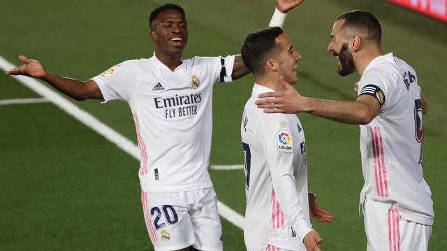 Real Madrid vence Barcelona de novo e dorme na liderança do Espanhol.