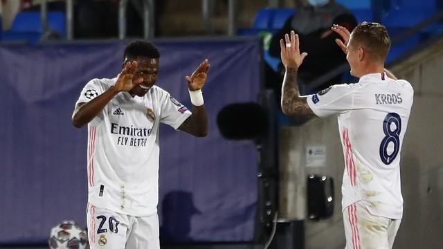 Vini Jr decide, e Real Madrid sai na frente do Liverpool nas quartas da Champions.