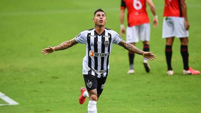 Atlético-MG faz jogo morno, mas vence o Pouso Alegre e segue líder isolado.