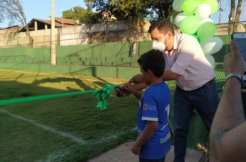 Prefeitura Municipal de Paracatu   realiza a  reinauguração do Campo Só Camisinha.