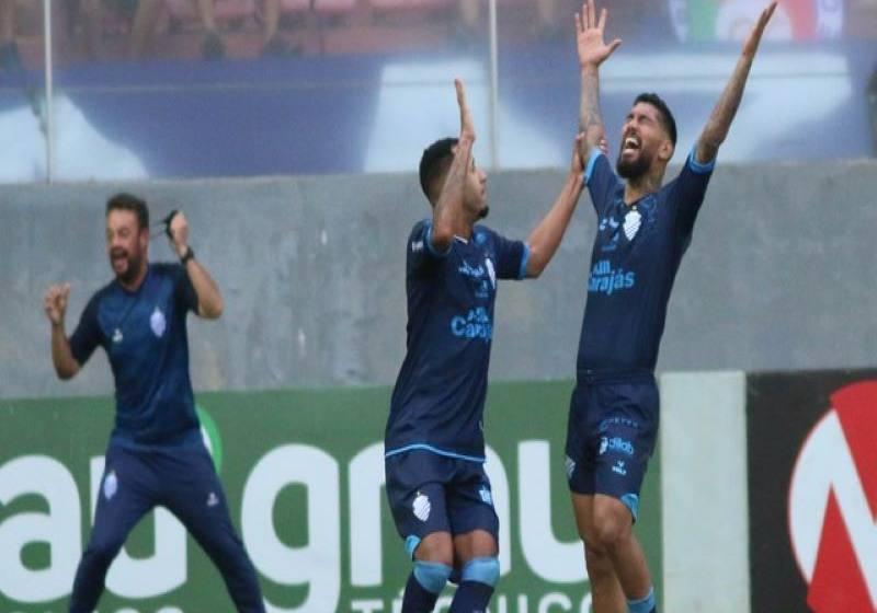Cruzeiro sai na frente, joga mal no segundo tempo e cede virada para o CSA.