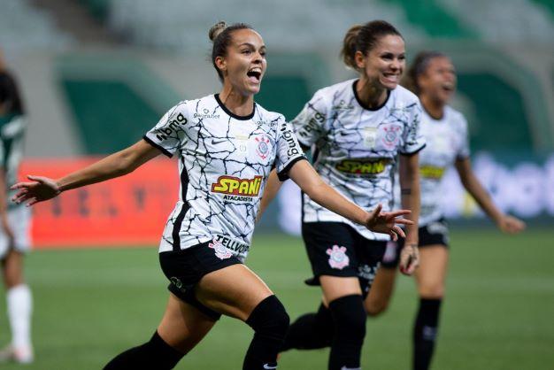 CORINTHIANS VENCE O PALMEIRAS E ABRE VANTAGEM NA FINAL DO BRASILEIRÃO FEMININO NEOENERGIA.