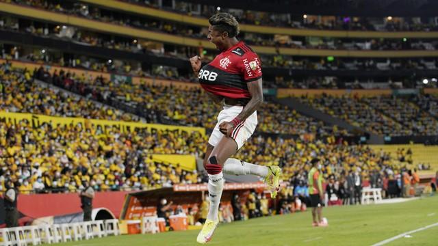 Bruno Henrique decide de novo, Flamengo bate o Barcelona-EQU e vai enfrentar o Palmeiras na final.