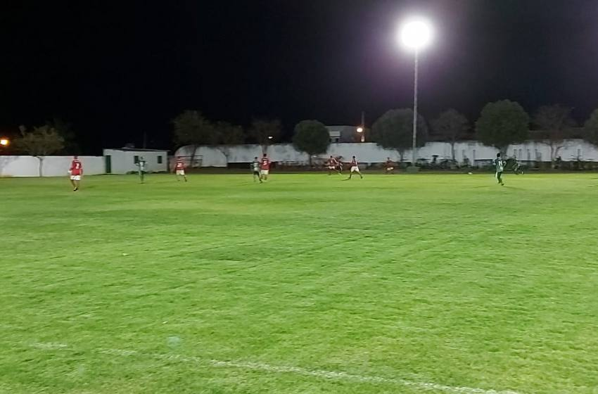 Seleção Master Paracatu empata com o Colina/Unaí no Estádio Urbano Adjuto.