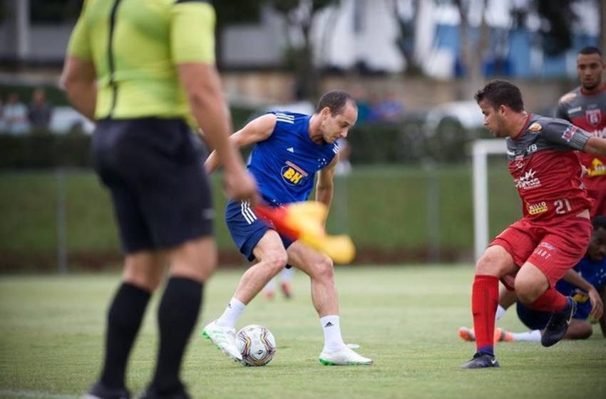 Judivan marca, e Cruzeiro vence teste com Guarani-MG; Orejuela se despede, e Cabral é aguardado