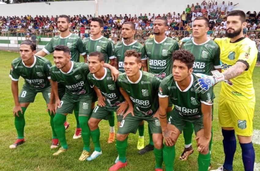 Técnico Rúbio Gerra pede demissão após derrota em casa do Unaí para o Taguatinga.