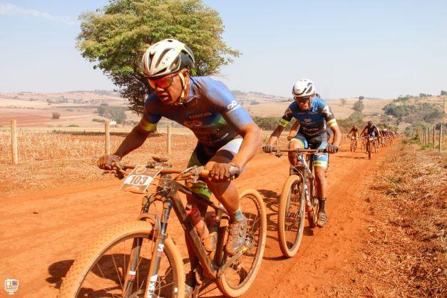 Ciclistas de Paracatu são destaques na 2º  Etapa da  Copa Patos de Maratona de M T B X C M.