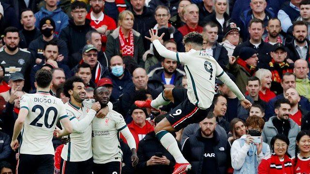 De mão cheia: com três de Salah, Liverpool massacra o Manchester United.